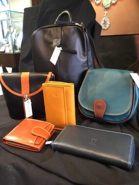 Direct from Florence, Italy. Gorgeous Handbags, wallets, purses. Come in and see our luxury range!